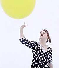 Anneli Drecker med ballong