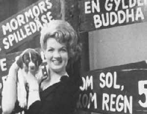 """Inger Jacobsen synger """"Kom sol, kom regn""""i 1962"""
