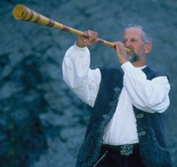 Odd S. Lund spiller bukkehorn