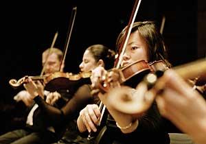 Bergen Filharmoniske Orkester - fioliner (foto: Eirik Reitan)