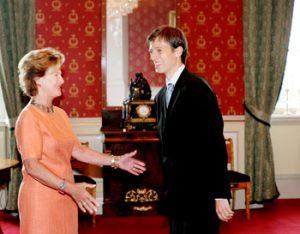 Dronning Sonja og Thorbjørn Guldbrandsøy, 2005