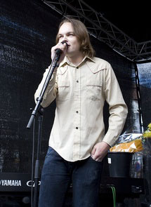 Morten Qvenild takker for pris (Foto: kongsberg-jazzfestival.no)