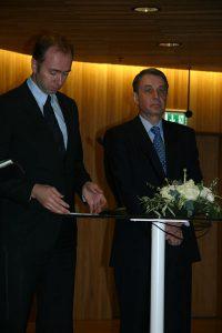 Trond Giske og Alexander Avdejev_stående (Foto: Carl Kristian Johansen)