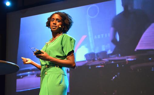 Nwando Ebizie forklarer hvordan Nonclassical tar den klassiske musikken ut av konsertsalene og inn på mørke nattklubber