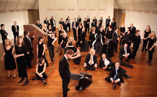 Kringkastingsorkesteret gav mulighet til å tenke over hva historisk kunnskap betyr for opplevelsen av musikk, skriver Emil Bernhardt. Foto: Blunderbluss/NRK