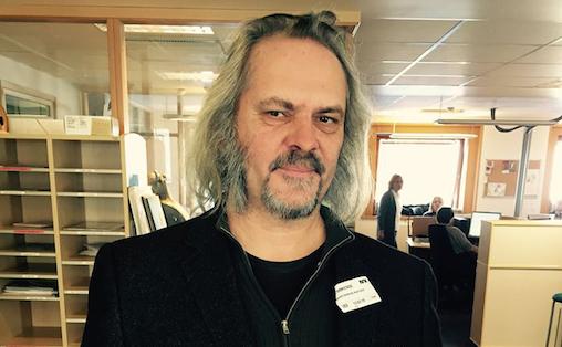 Arvid Skancke-Knutsen tror ikke folk endrer vaner så drastisk at de slutter å gå ut for å oppleve artister. Foto: Guttorm & co., NRK P13
