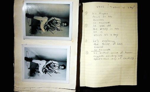 Utstillingen på MoMA viser kladdebøker fra hele Björks karriere. Foto: Thomas Kolbein Bjørk Olsen