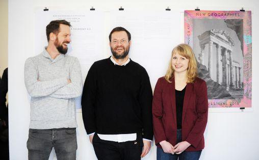 Einar Idsøe Eidsvåg (i midten) fra Music Norways hadde invitert bl.a. Notto Thelle (Notam) og Hilde Marie Holsen (artist) til Berlin for å nettverke med potensielle samarbeidspartnere på CTM-festivalen i helgen. Foto: Thomas Kolbein Bjørk Olsen, Berlinkontoret.no