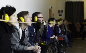 Konsertsirkus. Publikum lytter til BIT20. Foto: Magnus Håland Sunde