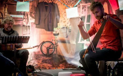 Aria og sansetyven.  Bildet er fra annen forestilling. Foto: Lars Opstad / RIkskonsertene