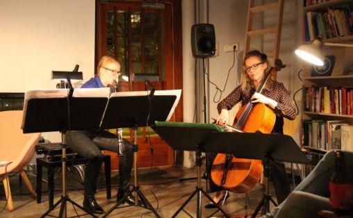 Kristine Tjøgersen og Tanja Orning Foto: nyMusikk/ Ann Kristin Traaen)