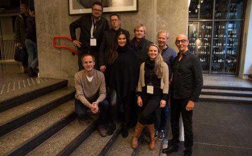 En samlet bransje står bak forslaget. Bak f.v.: Larry Bringsjord (FONO), Hans Ole Rian (MFO), Jørgen Karlstrøm (Norsk komponistforening), Kai Robøle (Musikkforleggerne). Foran f.v.: Knut Aafløy (NA), Ingrid Kindem (NOPA), Elin Aamodt (GramArt) og Sæmund Fiskvik (NORA). Foto: Lasse W. Fosshaug.