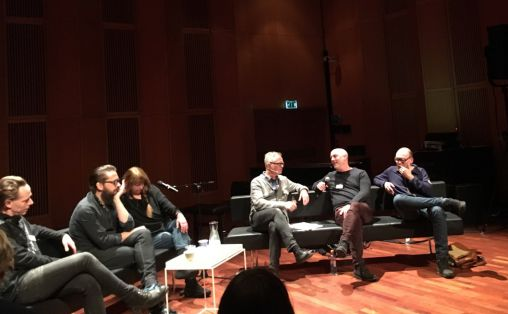 F.v. Stian Westerhus, Helge Sten, Sidsel Endresen, ordstyrar Henrik Hellstenius, Jan Bang og Bugge Wesseltoft.  Foto: Olav Opsvik