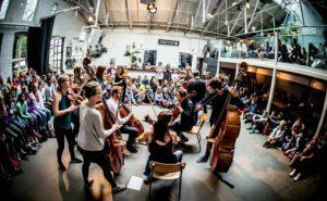 Ensemble Allegria i Samarbeid med DKS Akershus. Elever fra Lørenskog besøkte Ingensteds i Oslo under Oslo Kammermusikkfestival. Foto: Lars Opstad