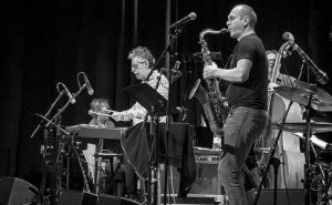 Fra jazzkonsert med Mike Mainieri og Bendik Hofseth på Cosmopolite Scene 4. mai 2016