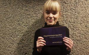 Siri Haugan Holden i Balansekunst Foto: Aslaug Olette Klausen