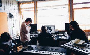 Workshop fra et av musikkrommene på Huset i Alta, som har fått 400 000 til ny musikkbinge Foto: Mads Suhr Pettersen.