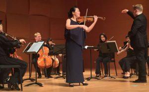 Ai-Ling Chiu spiller encore Sæterjentens på Ole Bulls Guarner-fiolin i Chi Mei Hall, Foto: Bjørn Morten Christophersen