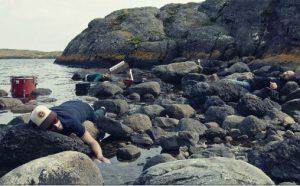 """Still fra musikkvideoen til """"Pour your sunshine"""" med Frode Fivel"""