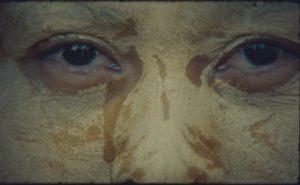 """Stillbilde fra videoen til MoEs """"Santa Rosa"""""""