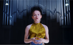 Stillbilde fra videoen til Marja Mortensson, filmet og produsert av Terje Trobe
