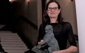 Therese Bjørneboe med æresprisen fra Norsk kulturrådet