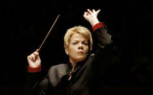 Den amerikanske dirigenten og fiolinisten Marin Alsop. Hun er i dag sjefdirigent for Wien Radio Symfoniorkester