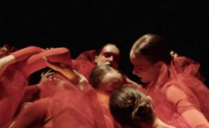 """Still fra Oskar Bremers musikkvideo til låten """"Believe me"""""""