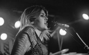 Deathcrush var et av de tyngre bandene som spilte under årets Trondheim Calling. Her ved vokalist Linn Nystadnes