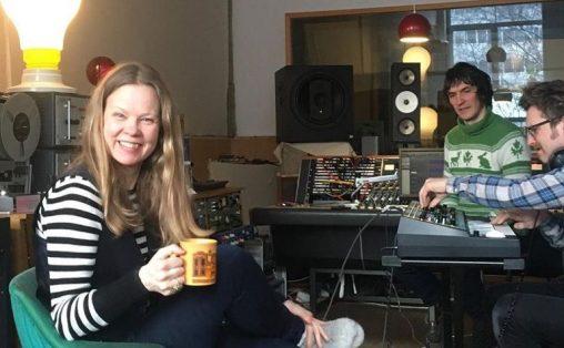 Emma Hegermann i studio